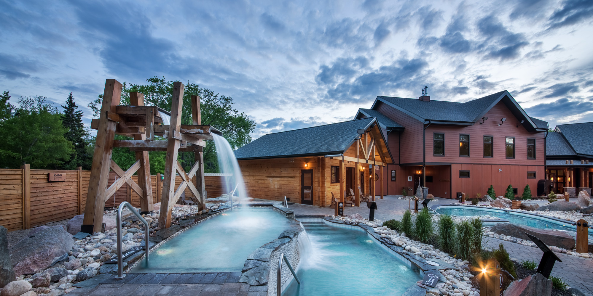 the cold and temperate pools thermea saunas massages. Black Bedroom Furniture Sets. Home Design Ideas