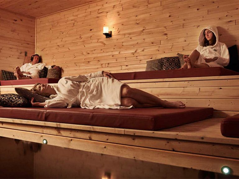 nordic spa wellness getaway therm a by nordik spa. Black Bedroom Furniture Sets. Home Design Ideas