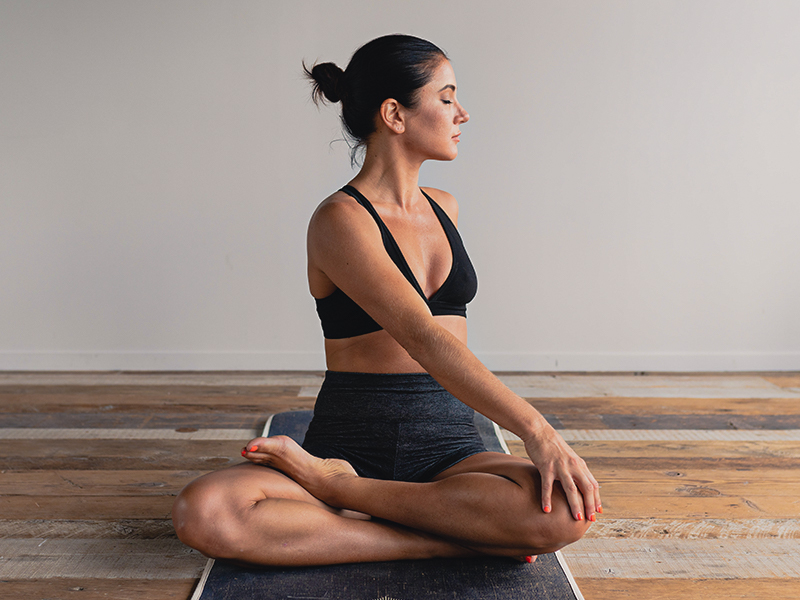 The Benefits of Yoga and 5 Easy Poses